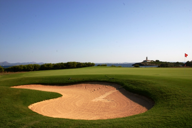 Links-style golf on a sunshine isle