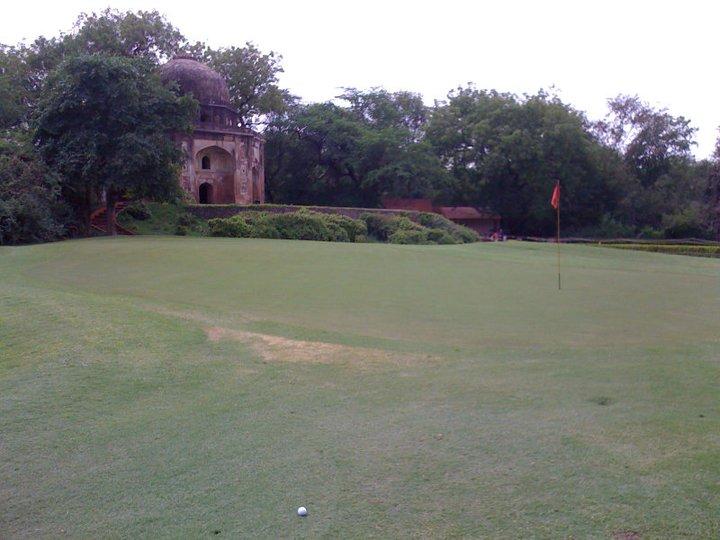 Temples and Traffic – Delhi Golf Club