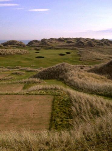 Trump threat to scrap Scottish Golf Links