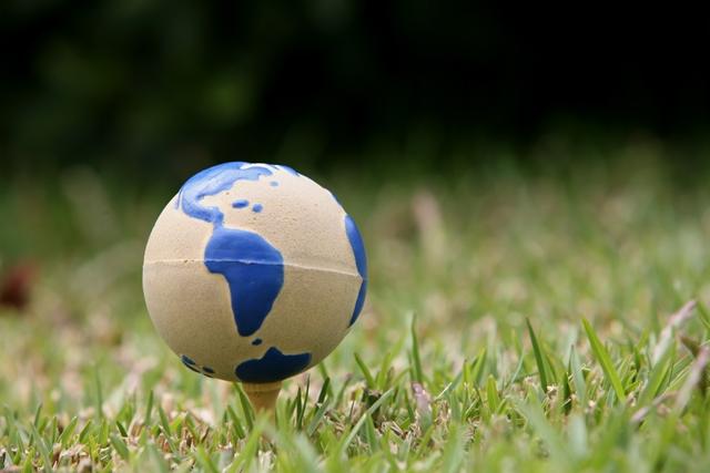 golf ball globe