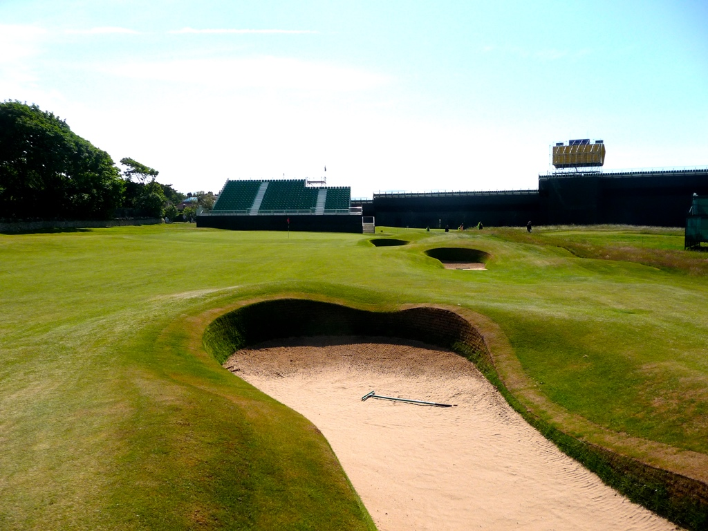 9th hole bunkers at Muirfield