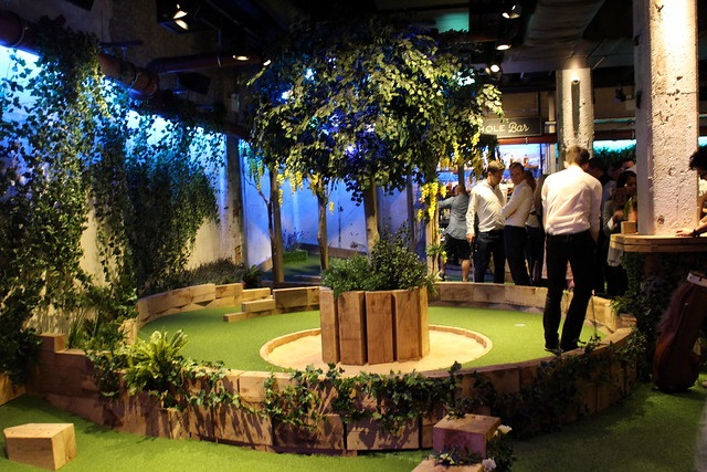 Swingers Golf is an indoor golf venue in London, UK